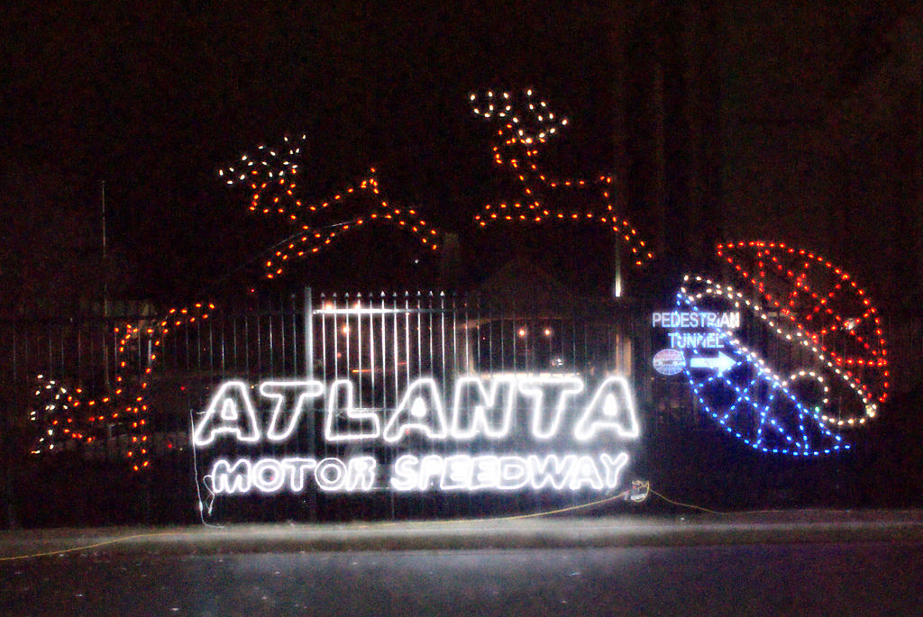 Speedway Christmas Lights.Atlanta Motor Speedway To Transform Into Winter Wonderland