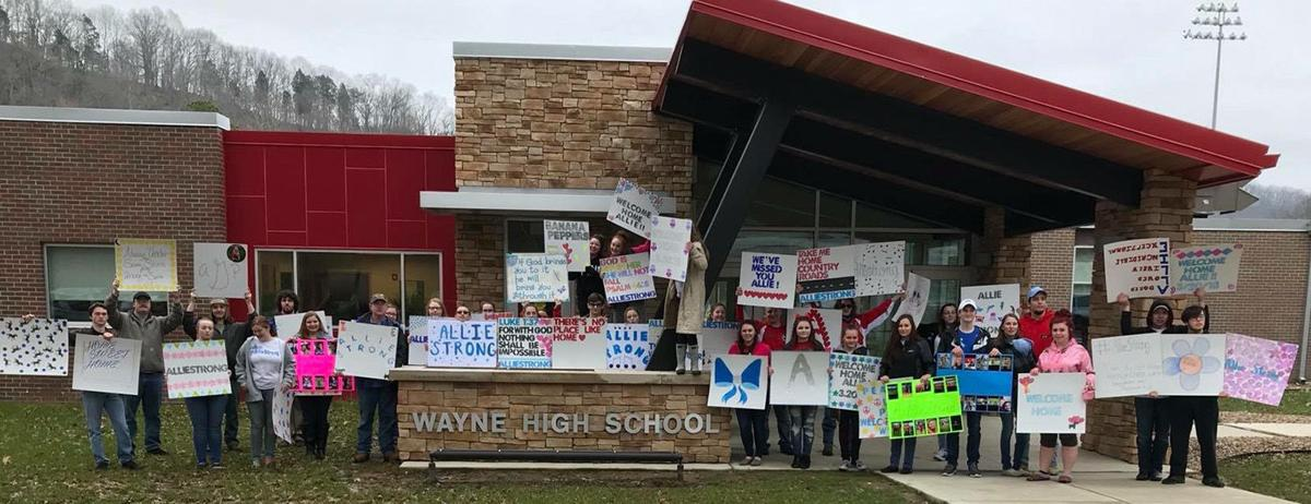 Wayne community gives warm welcome home to injured teen   Wc