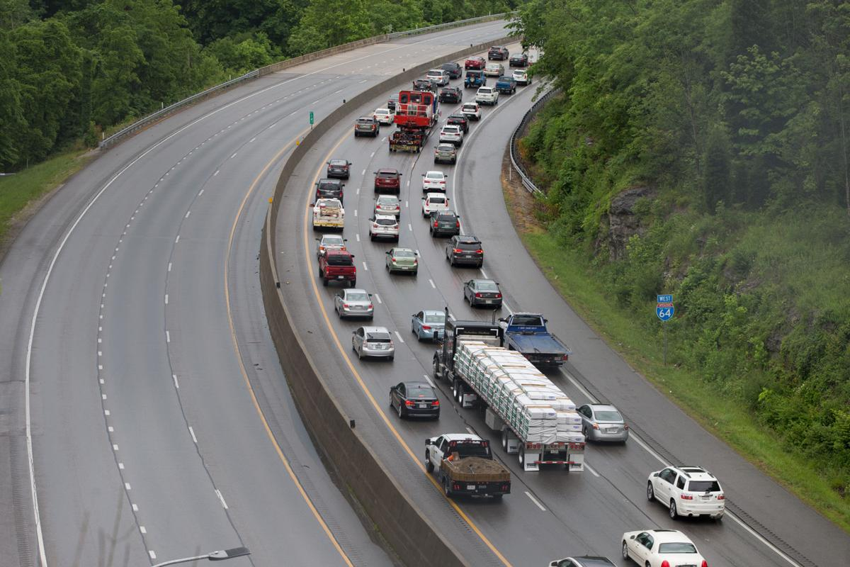 Single-vehicle accident closes eastbound lanes of I-64 | Recent News