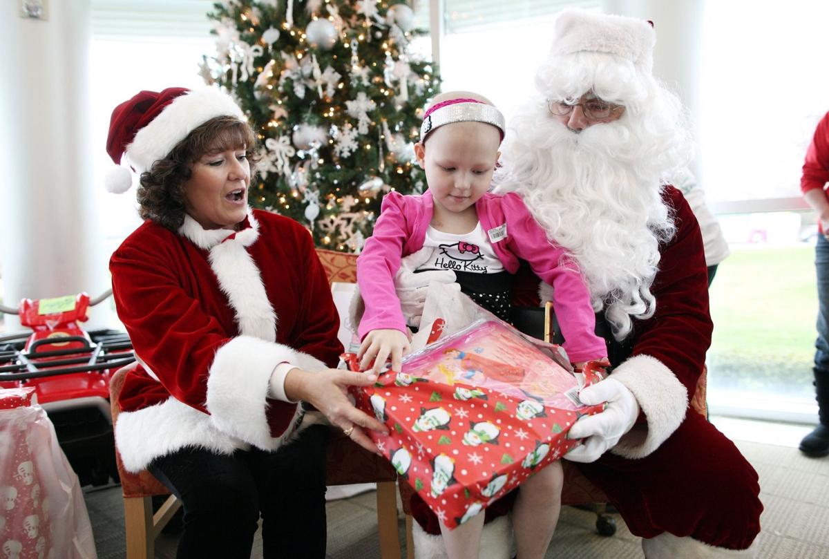 Local groups provide Christmas gifts, cheer for pediatric patients ...