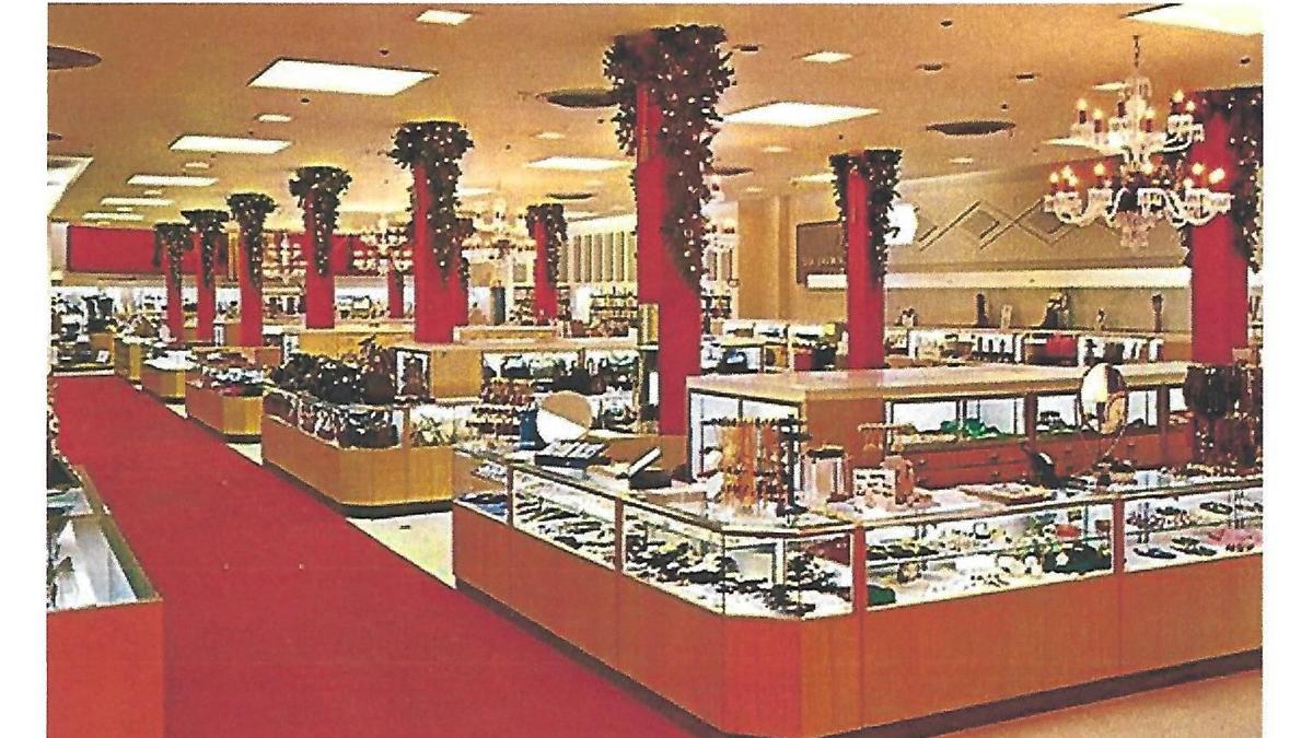 Lost Huntington: Christmas season at Anderson-Newcomb Co.
