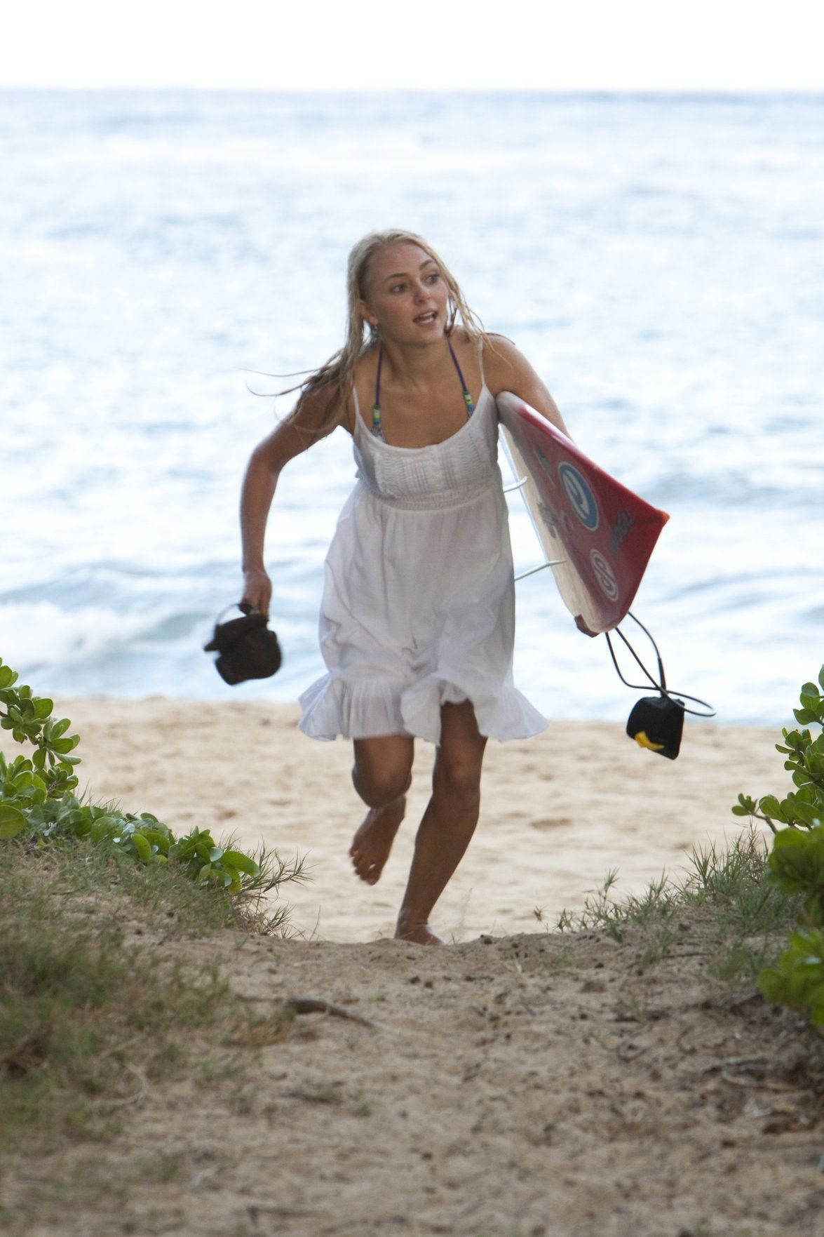 Soul Surfer Waters Down Shark Attack Features Entertainment Herald Dispatch Com