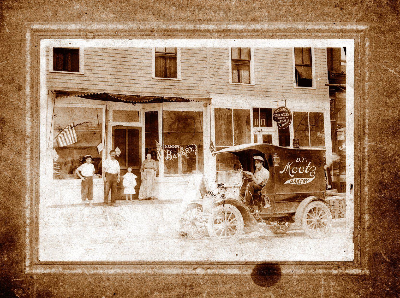 Lost Huntington: Mootz Bakery