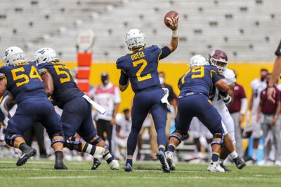 NCAA Football: Eastern Kentucky at West Virginia