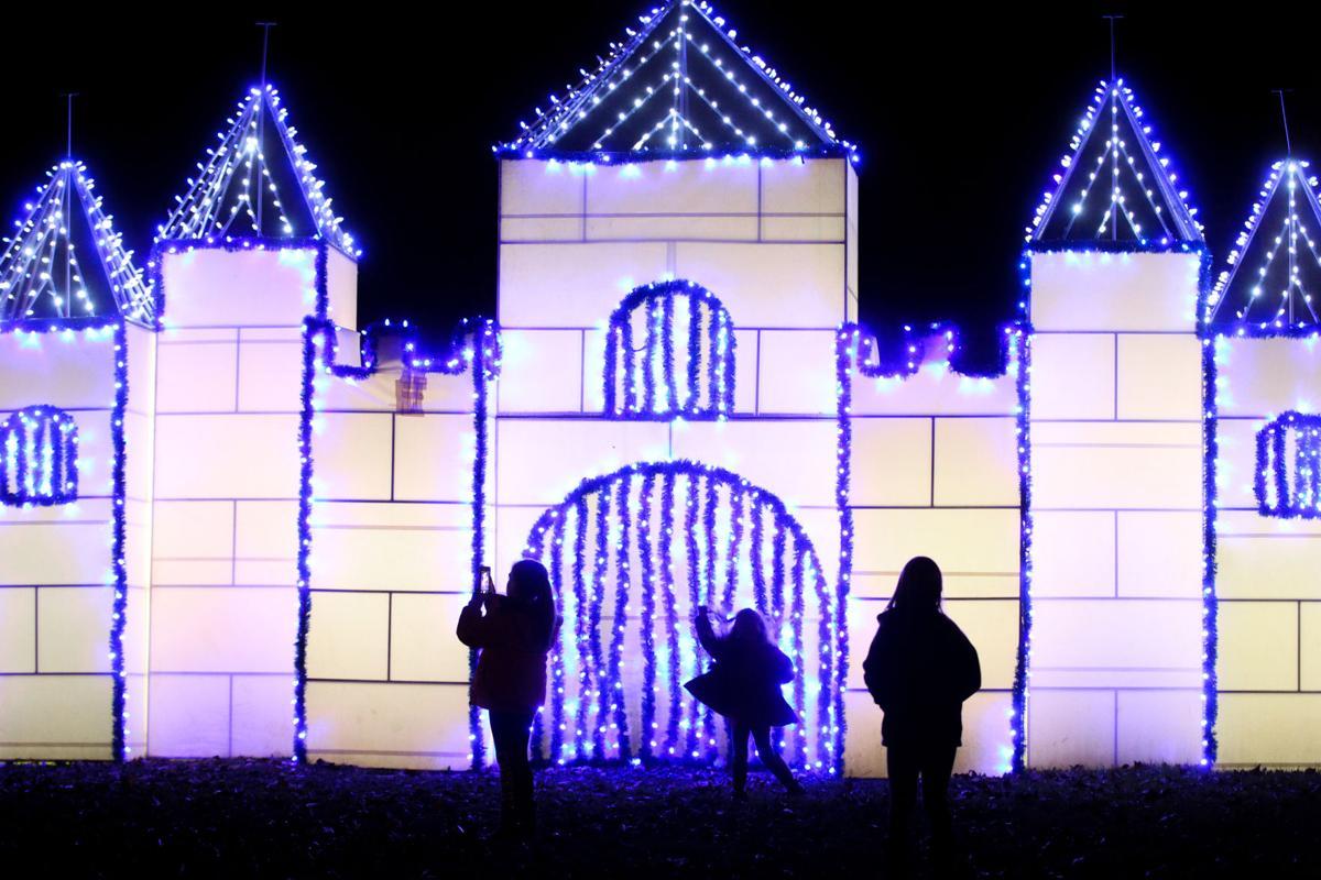 Ashland Ky Christmas Parade 2021 Thousands Of Lights Turn Ashland Into A Winter Wonderland News Herald Dispatch Com
