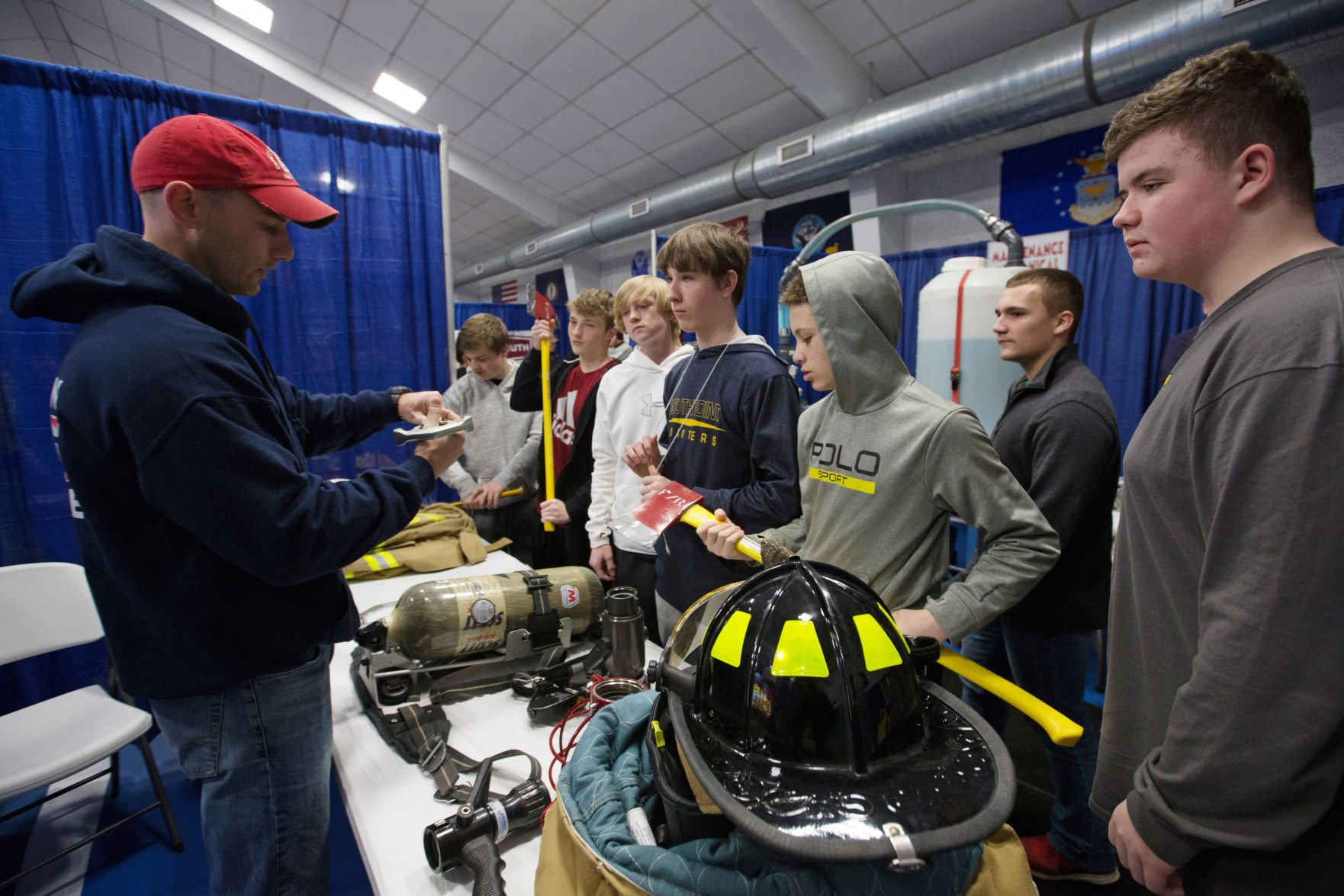 Marathon refinery hosts career fair for Tri State