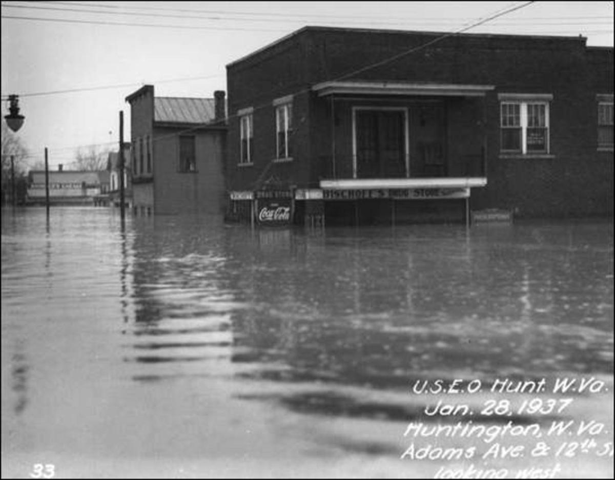 2009 0117 100yrs top 37 flood 01.jpg