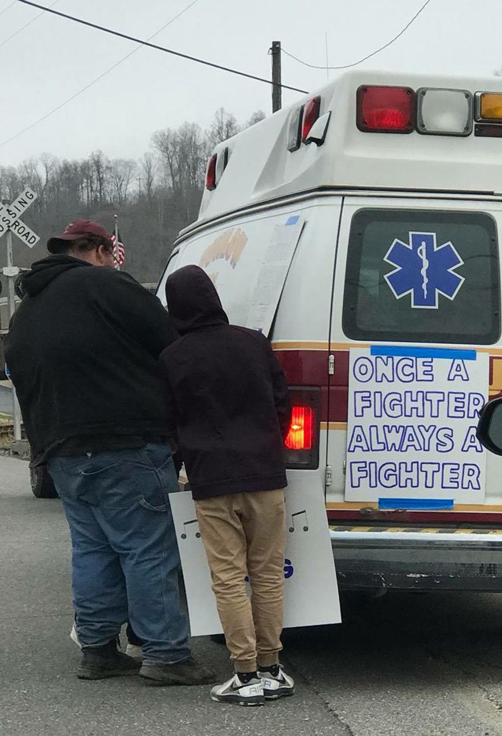Wayne community gives warm welcome home to injured teen | Wc