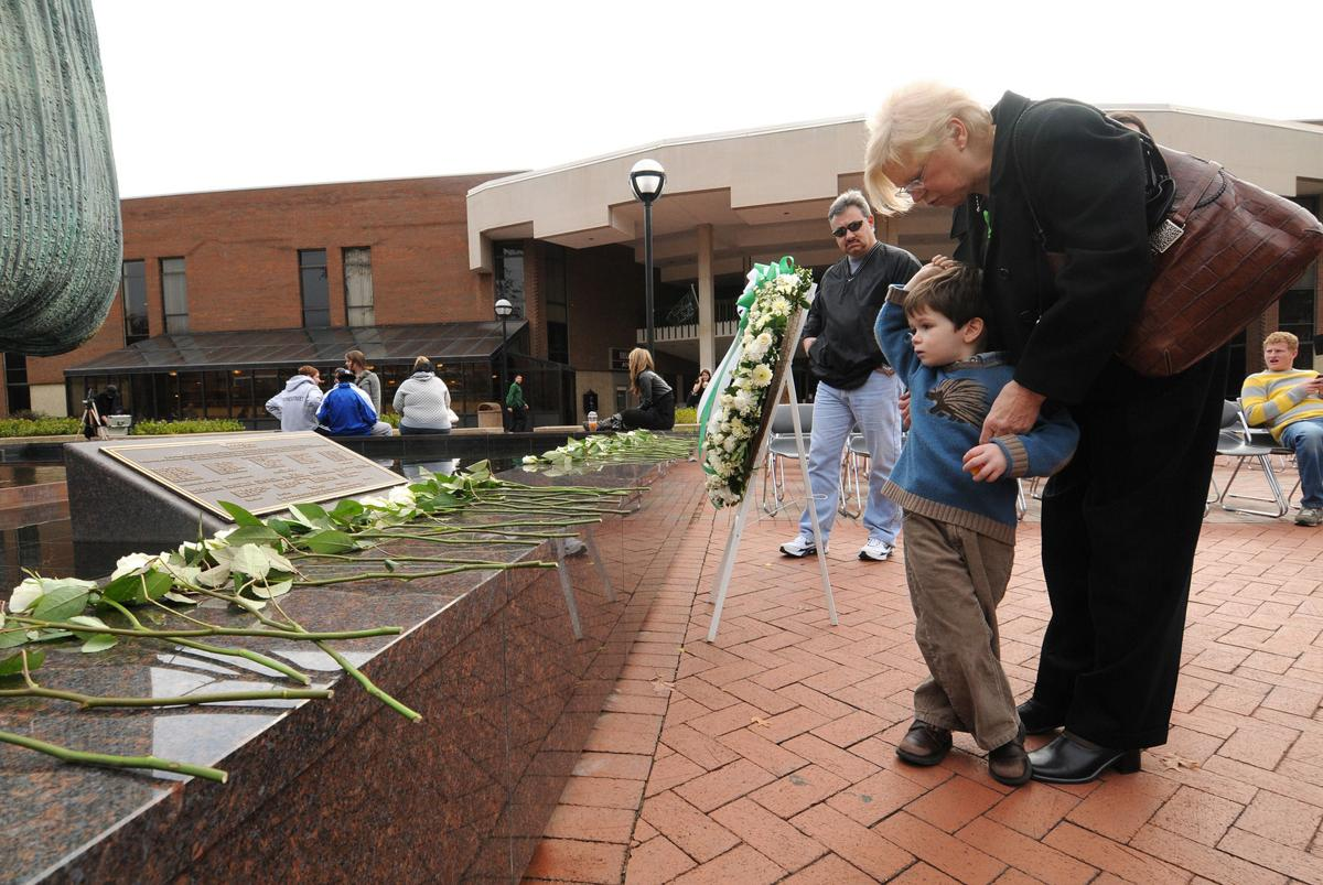 2008 1115 memorial 51