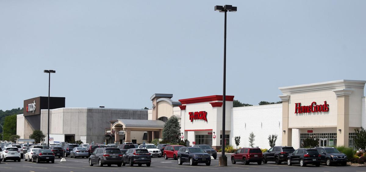 Despite recent store closings, Huntington Mall continues