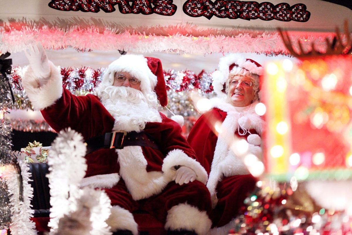 Ashland Christmas Parade 2019.Thousands Attend Christmas Parade News Herald Dispatch Com