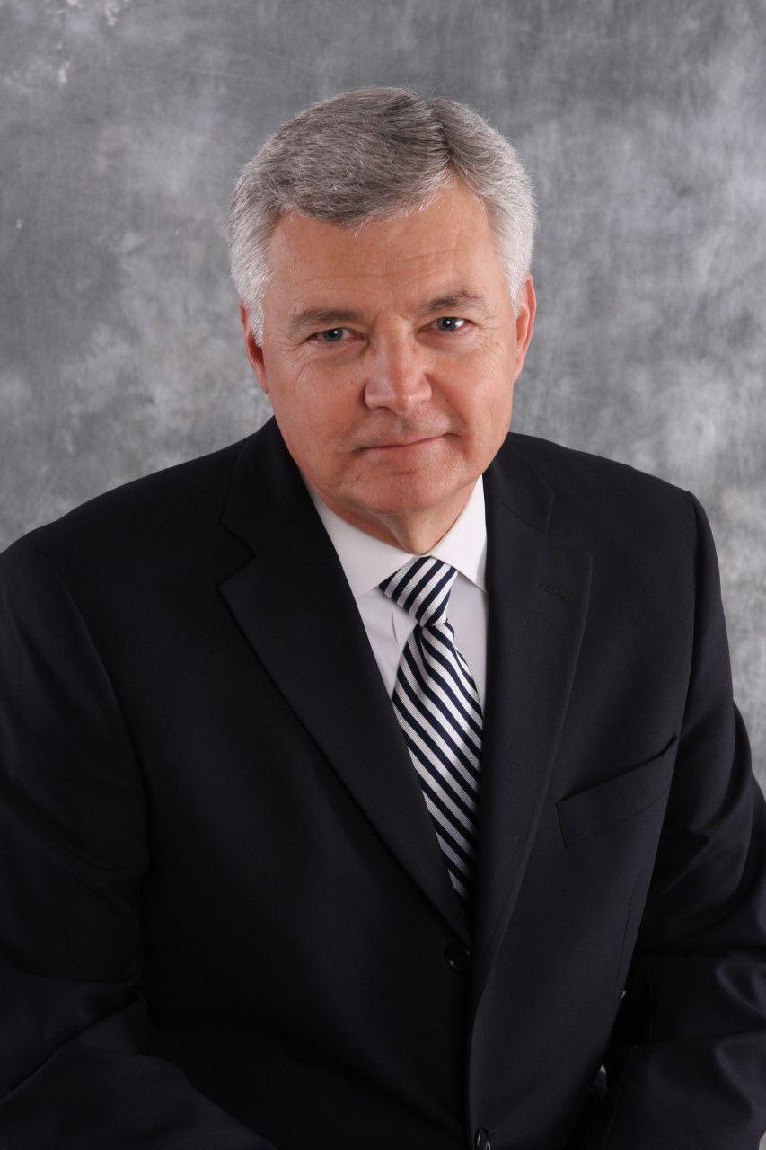 Jeffrey E Smith