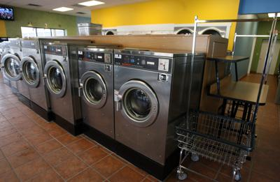 2010 0110 laundromat 05