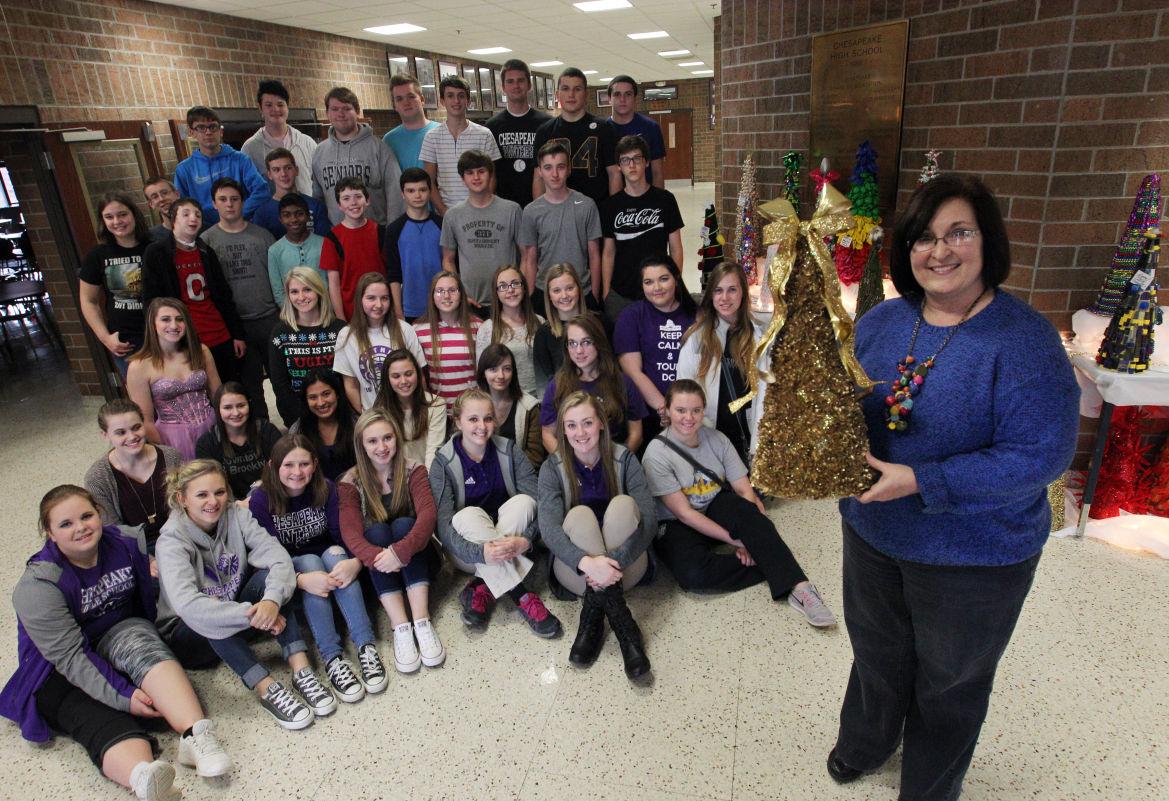 Photos: Students make Christmas Trees at Chesapeake High School ...