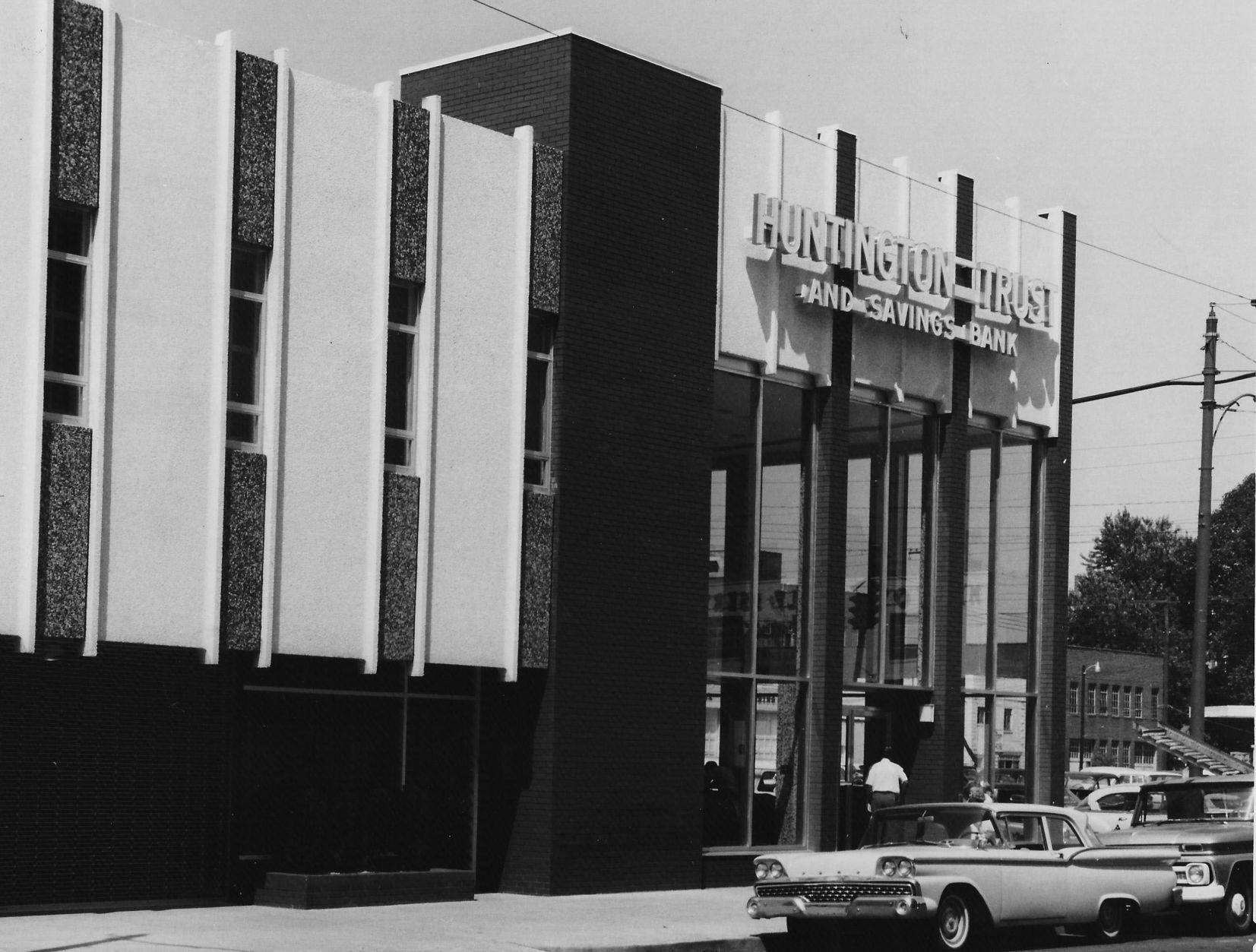 Lost Huntington: Huntington Trust Bank