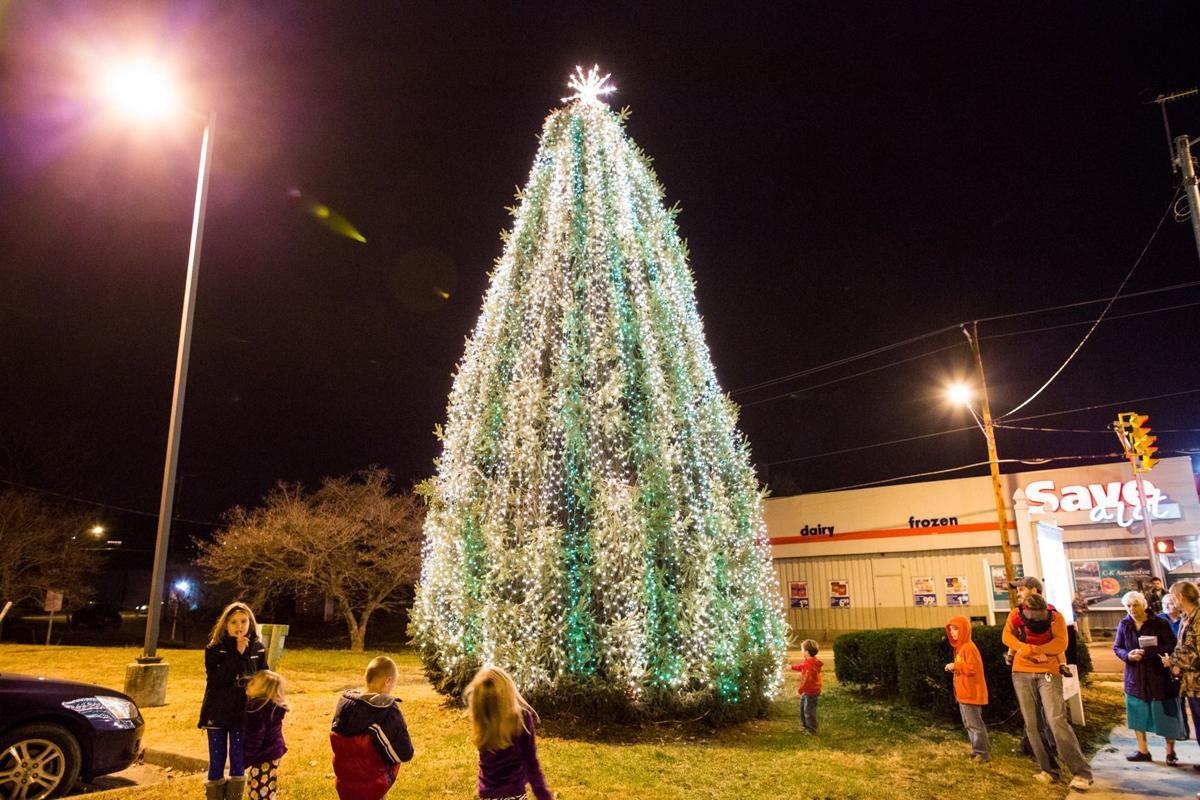 Kenova lights memorial tree | Recent News | herald-dispatch.com
