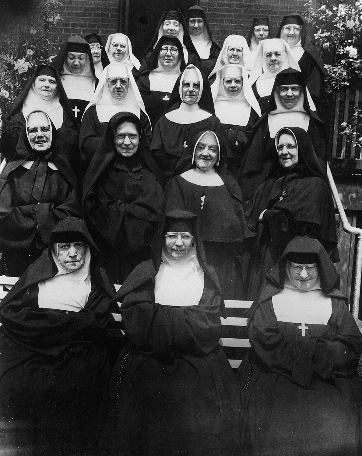desales_heights_nuns_1948.jpg