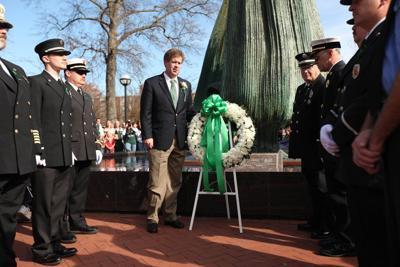 2009 1115 memorial 14
