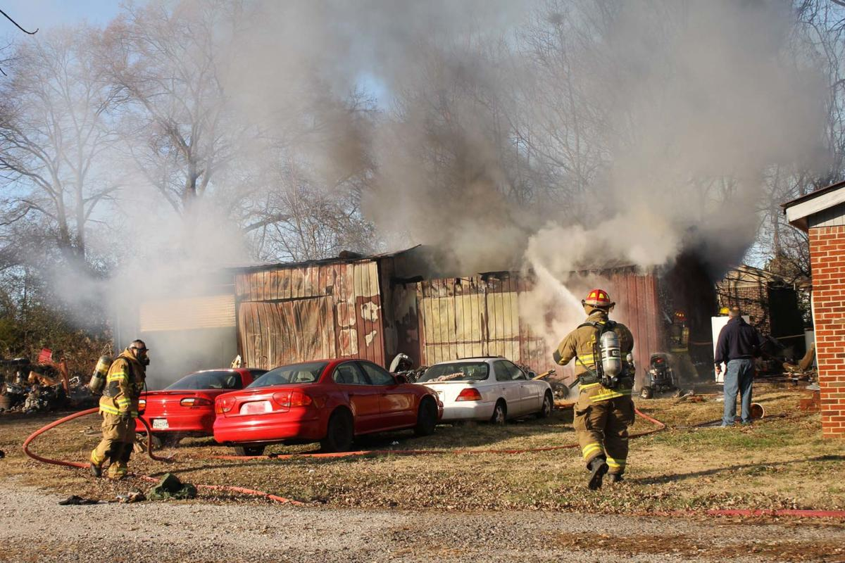 Structure fire in Decherd destroys building