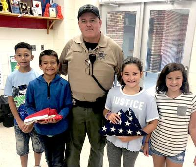 Students Meet New SRO at Rock Creek Elementary
