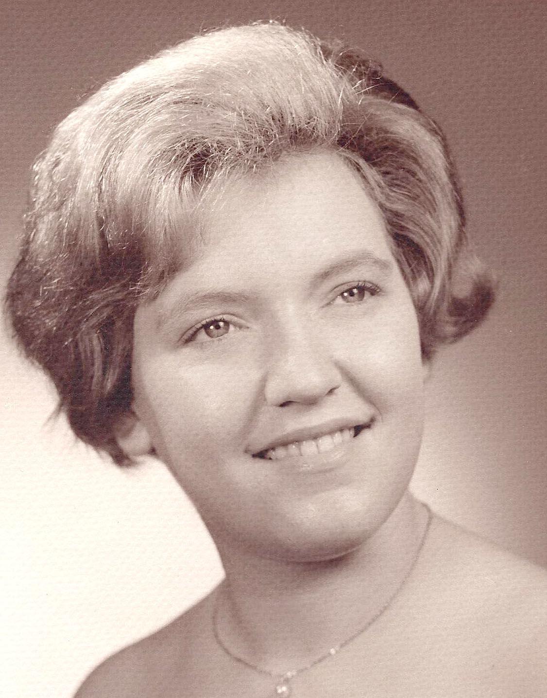 Cynthia Clark.jpg