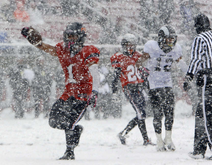 The 'snow game' – Editorial by Daris Howard