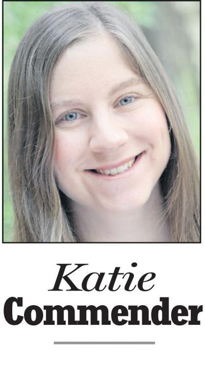 Commender, Katie - mug (Web)