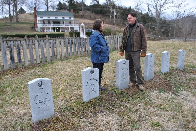 Six Graves of Many Receive Markers
