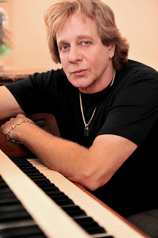 """Eddie Money. The singer of """"Shakin'"""" will shake loose a sack of hits on Saturday, Oct. 7 at Niswonger Performing Arts Center in Greeneville, Tennessee."""