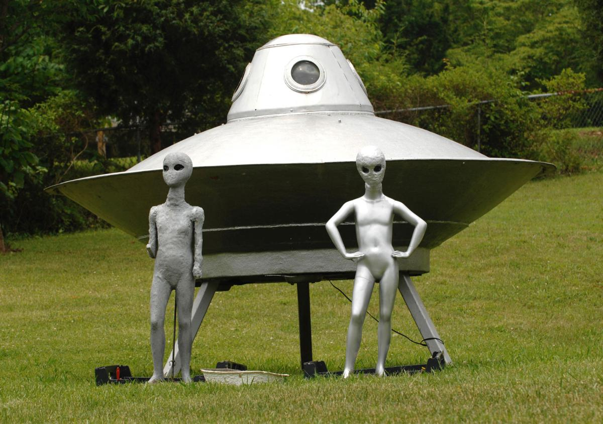 Reports of UFO sightings still swirl around from time to time in ...