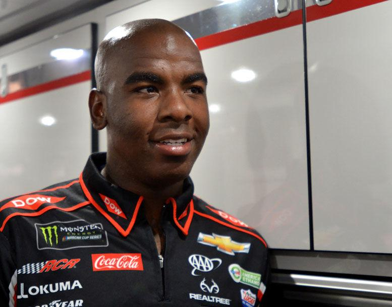 Edwards living the life in the pits of NASCAR