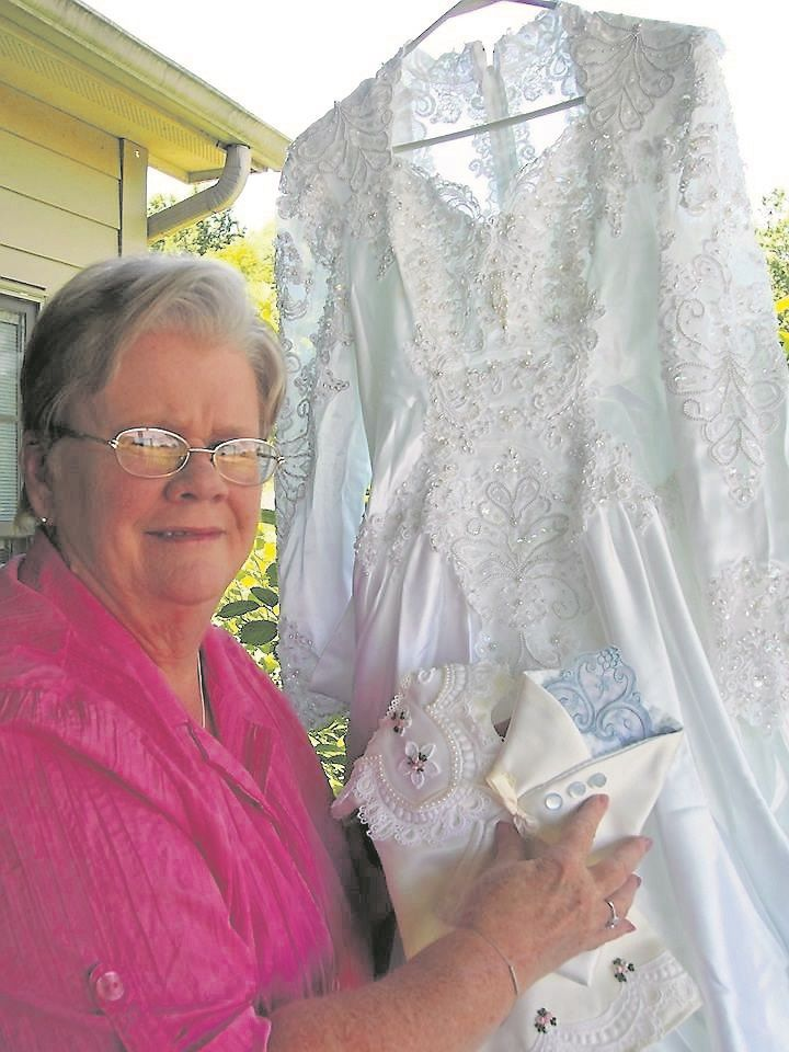 Mary Glynn Lambert Of Ceres Runs Little Stitches Love Turning Old Wedding