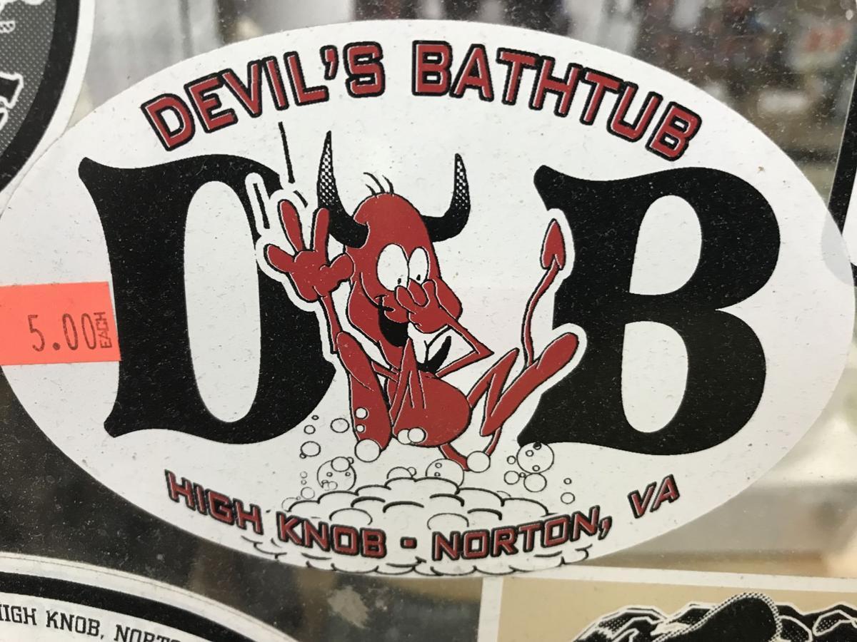 Devil's Bathtub
