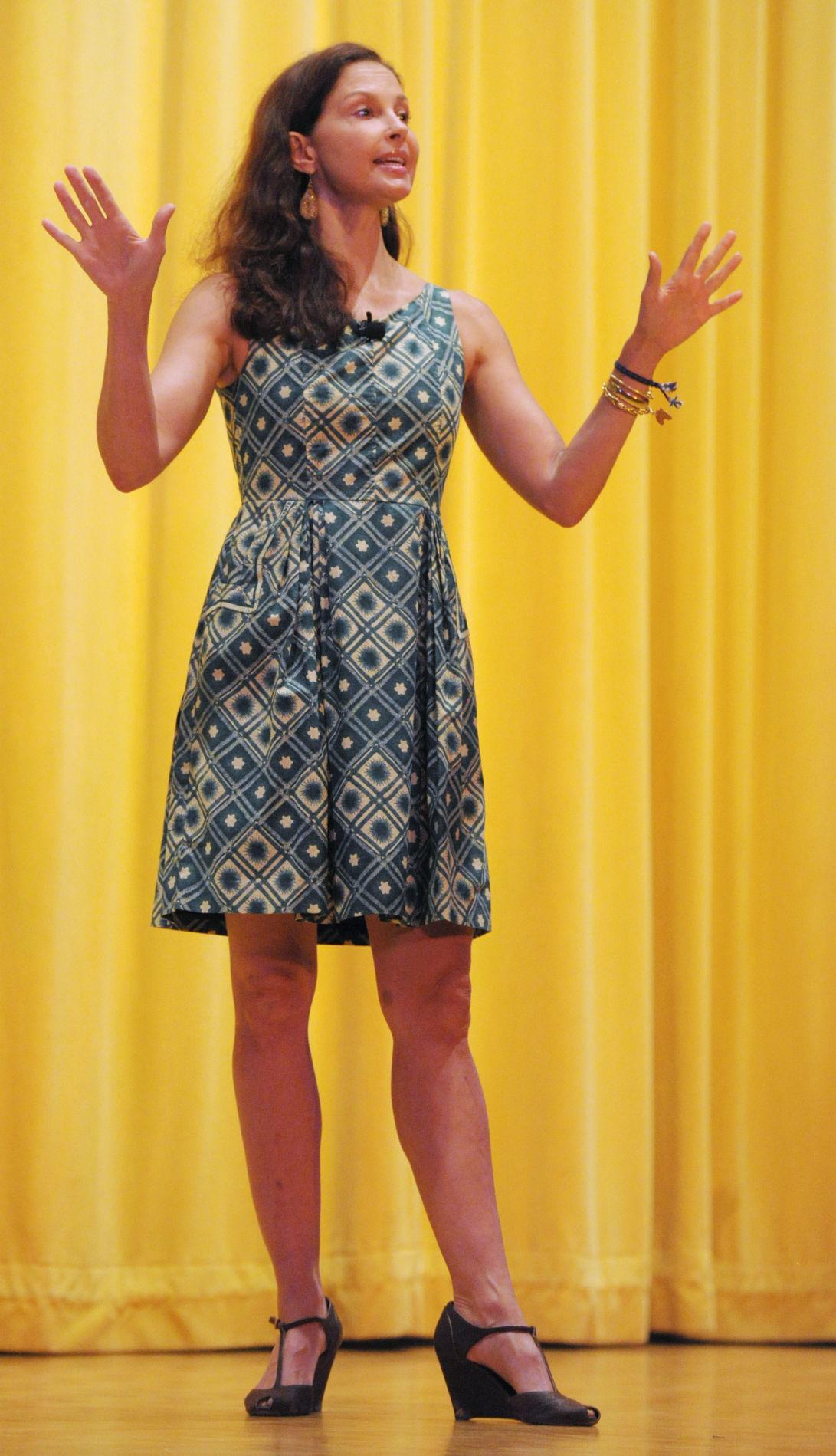 BHC 11052016 Ashley Judd 01