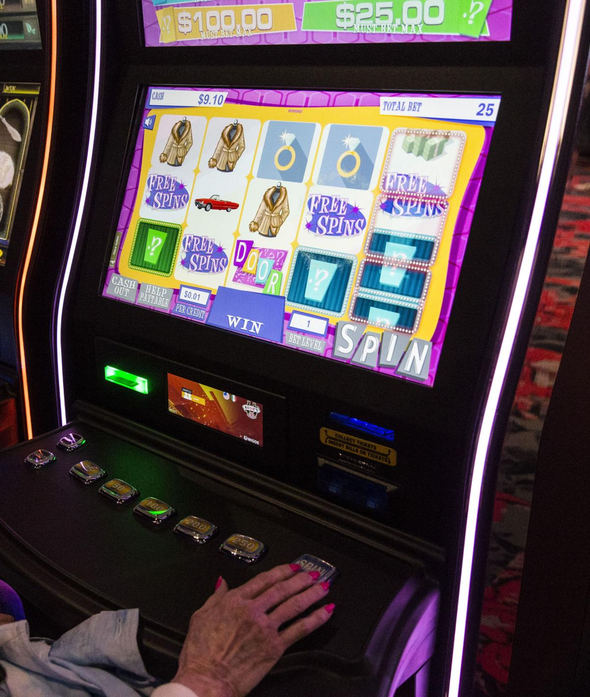 Gossip slots casino review