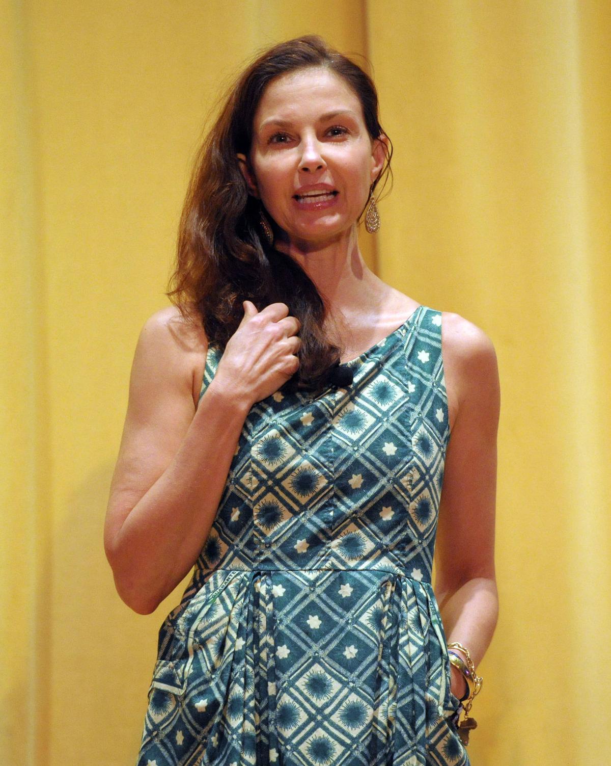 BHC 11052016 Ashley Judd 02