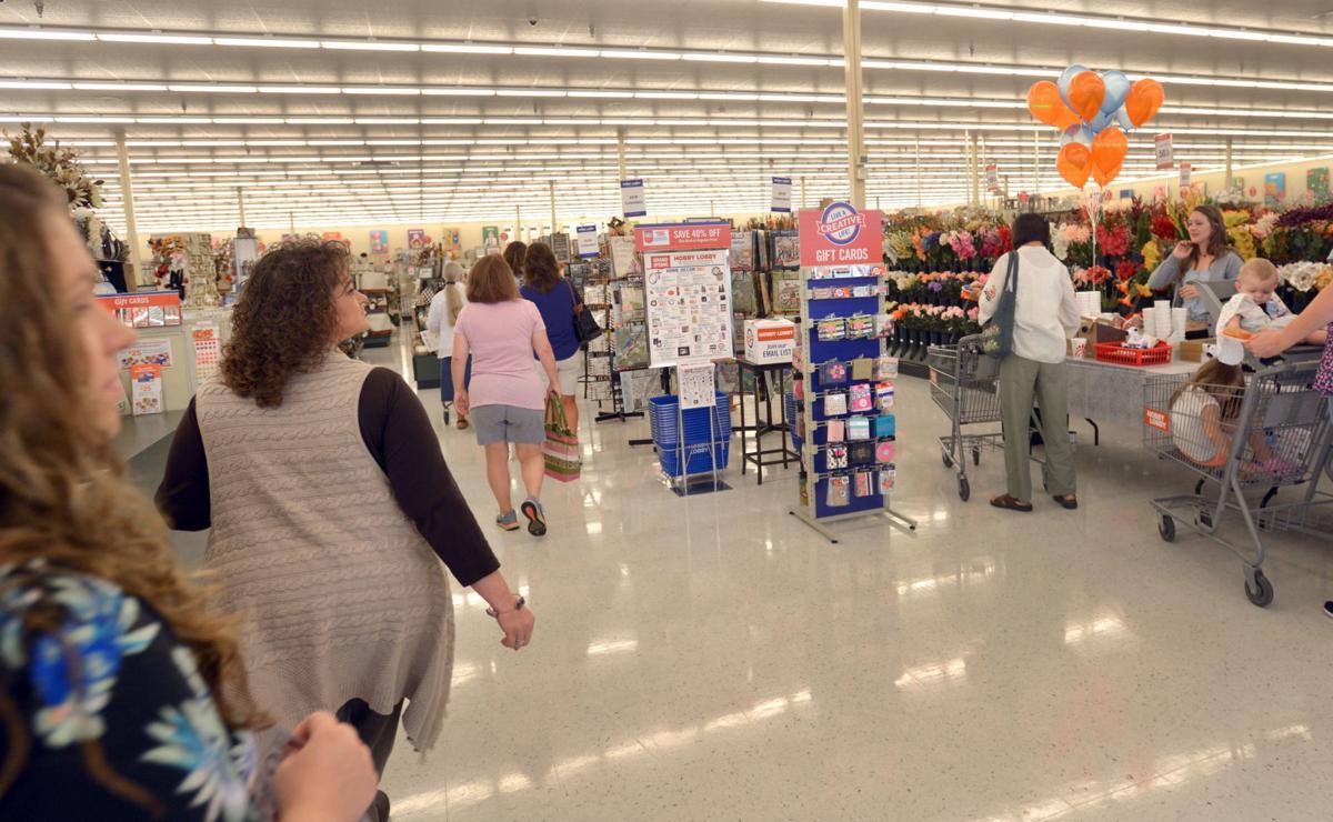 Hobby Lobby marks grand opening at The Falls center | News