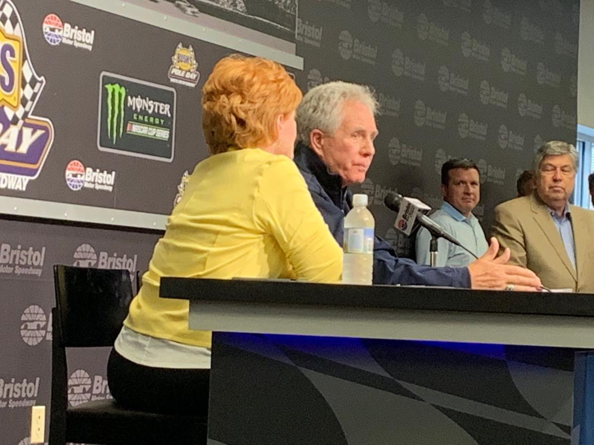 Darrell Waltrip announces retirement from broadcasting