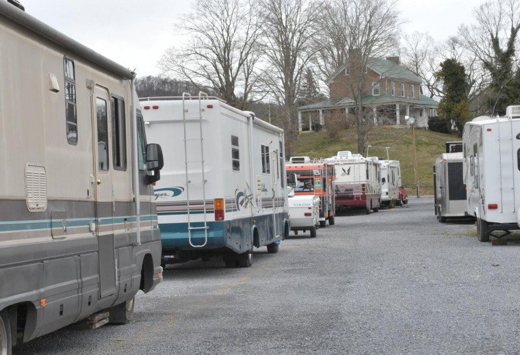 Campgrounds adjacent to bristol motor speedway archives for Camping bristol motor speedway