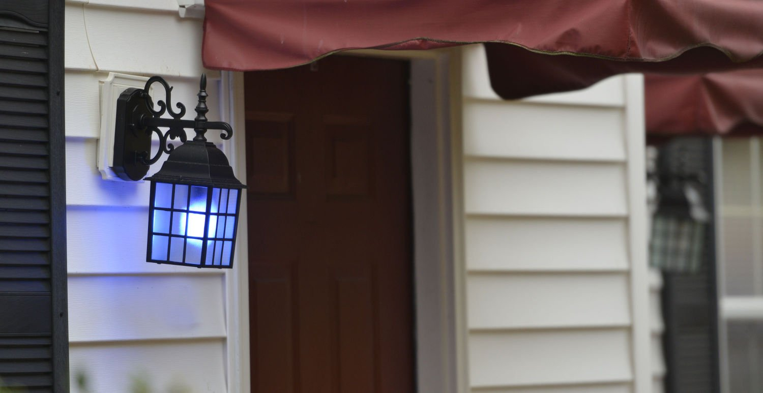 Turn Your Porch Light Blue To Support Police