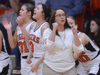 Honaker vs Eastside girls basketball