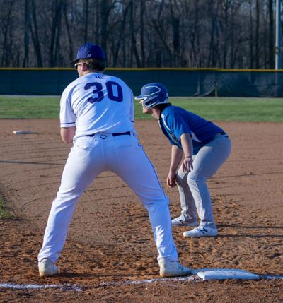 Shoulders at first base