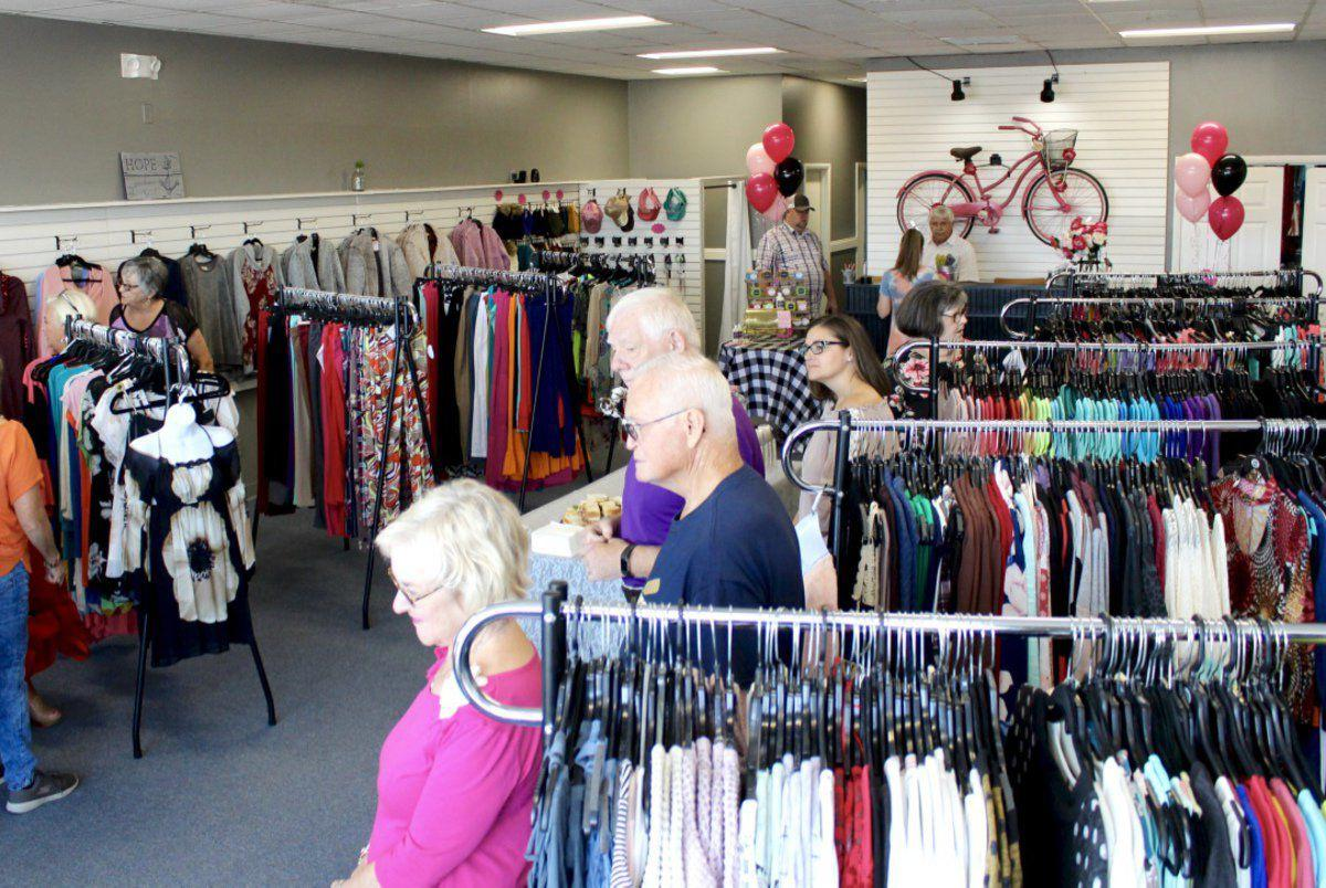 Chamber welcomes Southern Grace with ribbon cutting ceremony