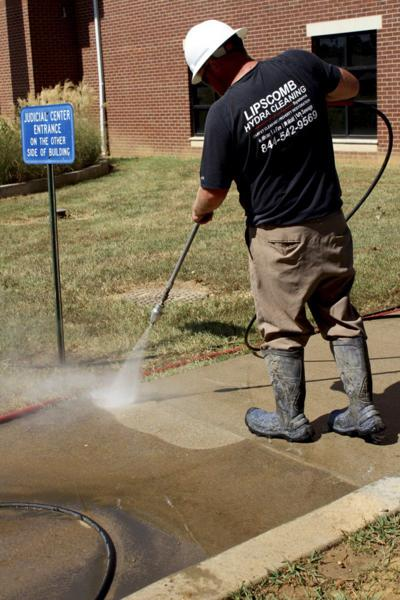 Lipscomb Hydra Cleaning donates services to county