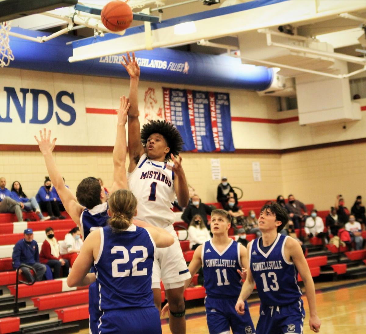 DeShields lofts ball to the basket