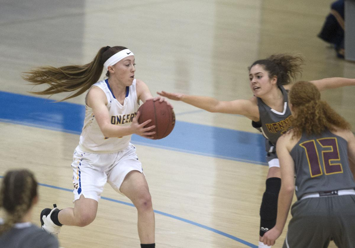 Lampe hustles to the loose ball