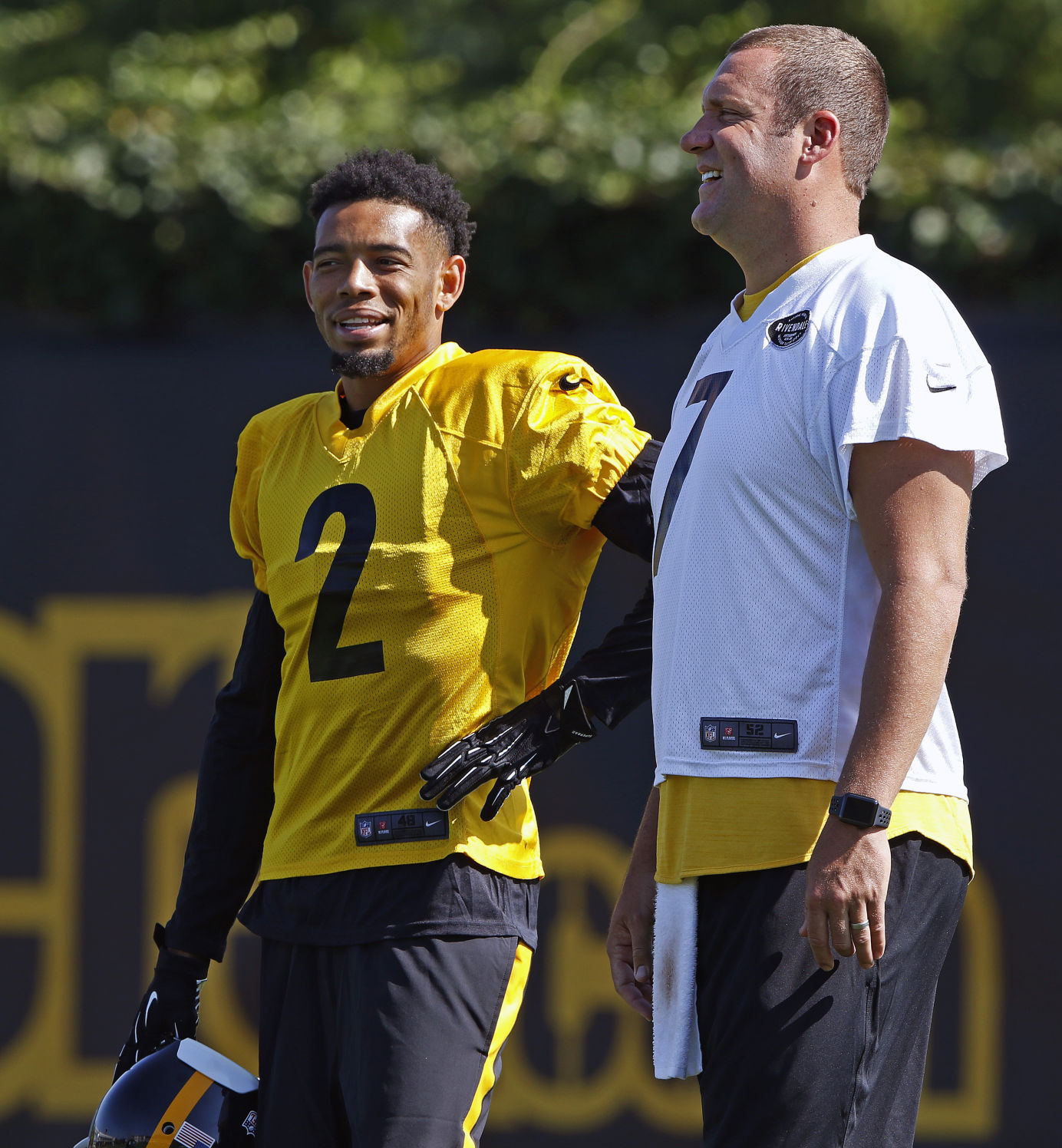 Browns' rookie Kizer set to debut against Big Ben, Steelers
