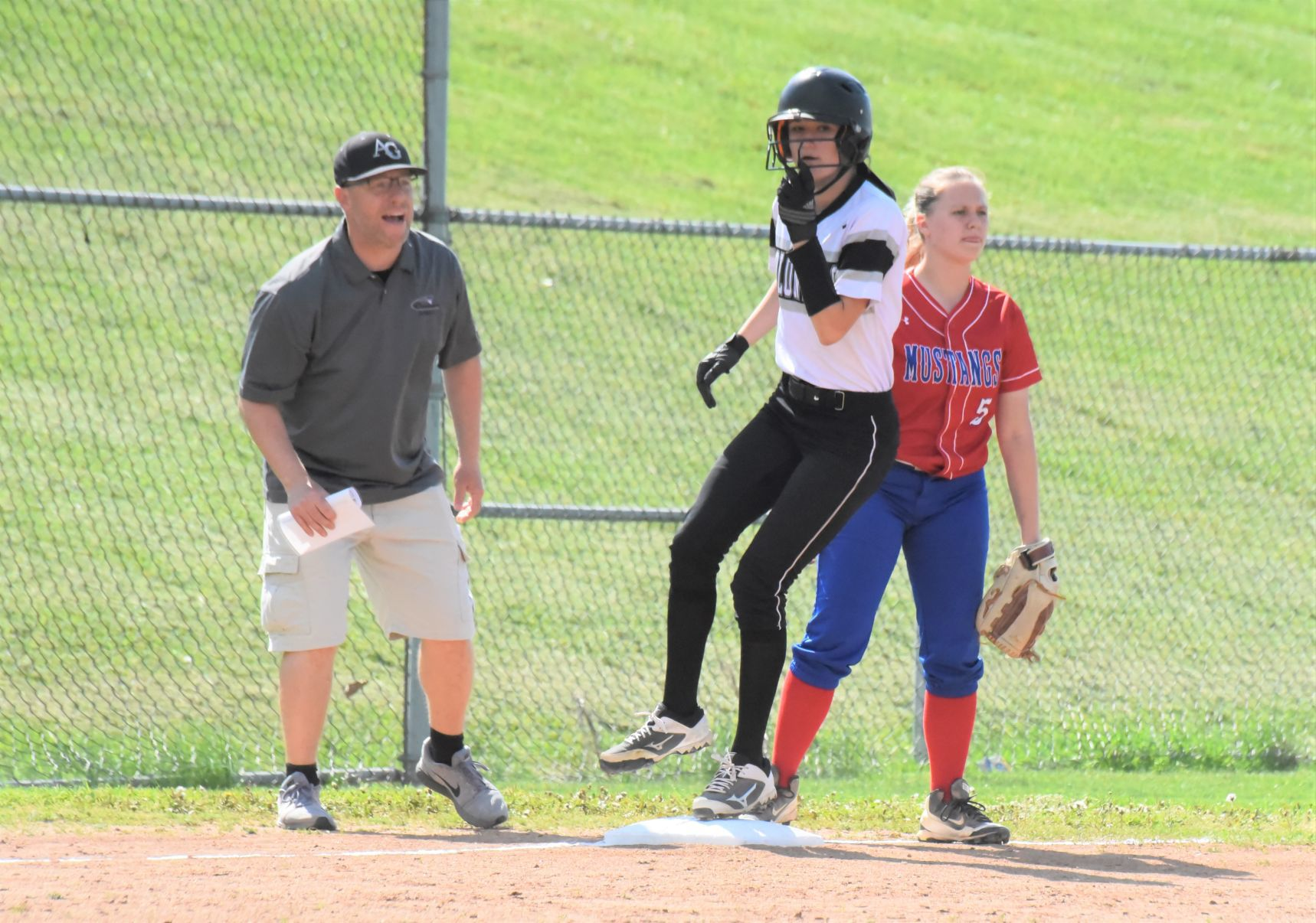 Hershberger pitches hits Lady Colonials to 10 2