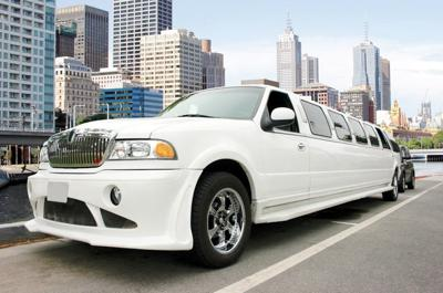 Secure wedding day rides to ensure smooth process for guests, bridal party