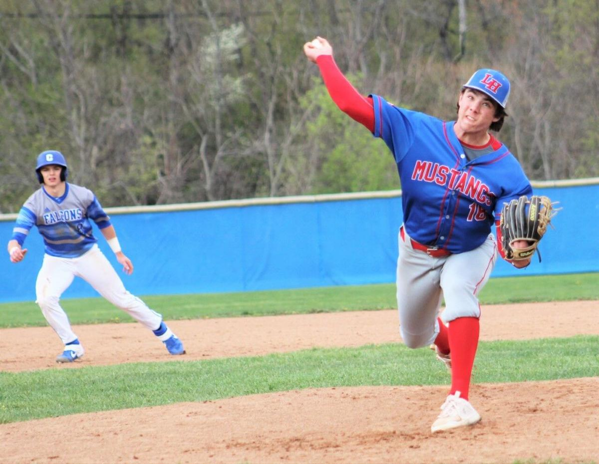 Mustangs, Falcons ready for WPIAL playoffs